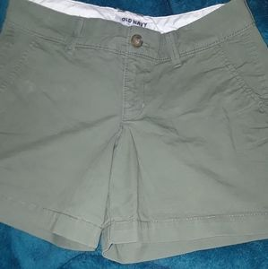 Old Navy shorts (0)